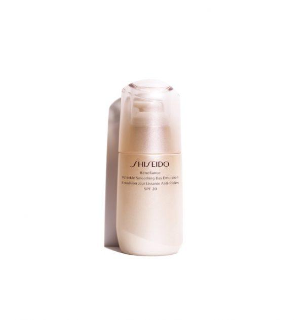 shiseido-benefiance-wrinkle-smoothing-day-emulsion-emulsione-protettiva-anti-age-spf-20_